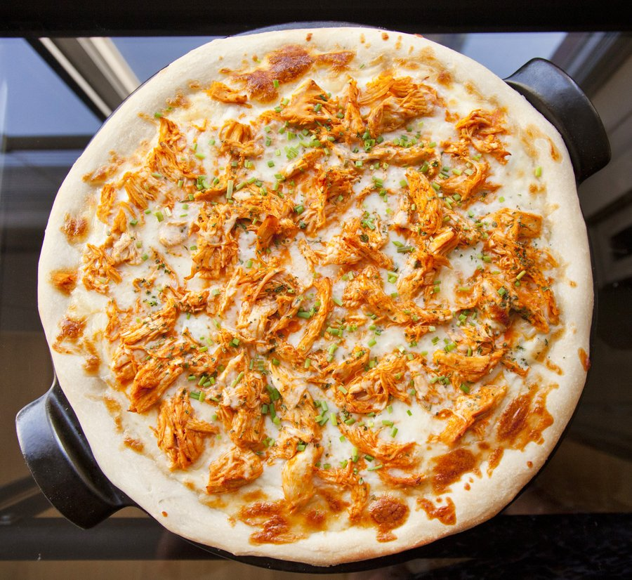 buffalo chix pizza_2.JPG