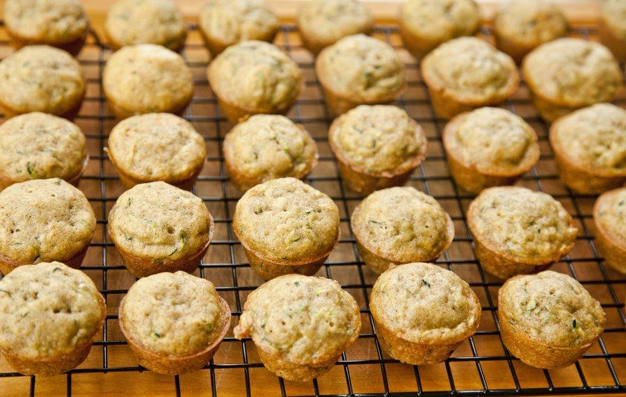 zucchini muffins_4.JPG