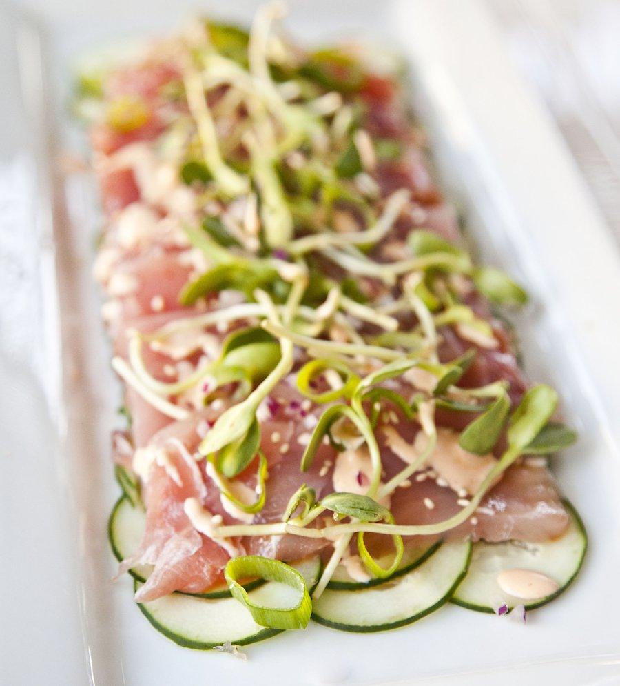 Sashimi salad with ponzu dressing for Sashimi dressing
