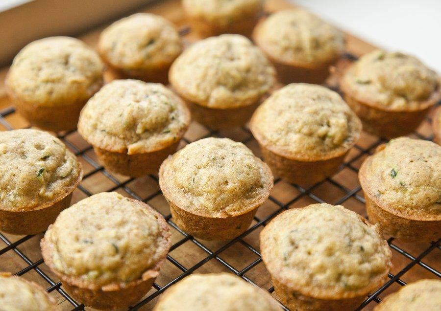 zucchini muffins_3.JPG