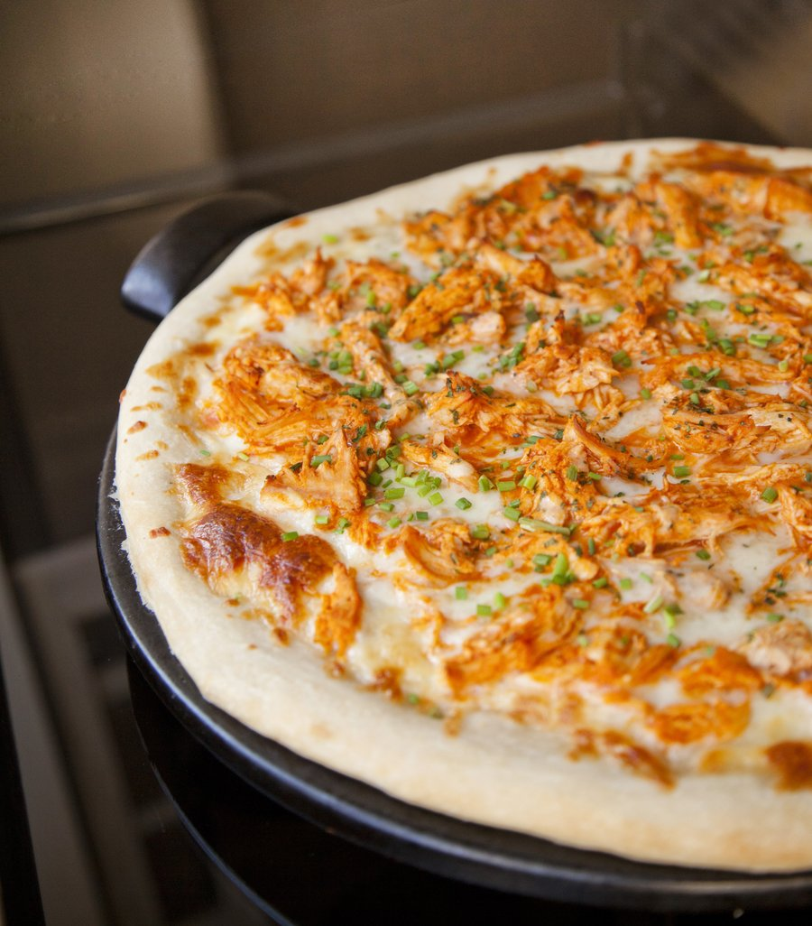 buffalo chix pizza_5.JPG