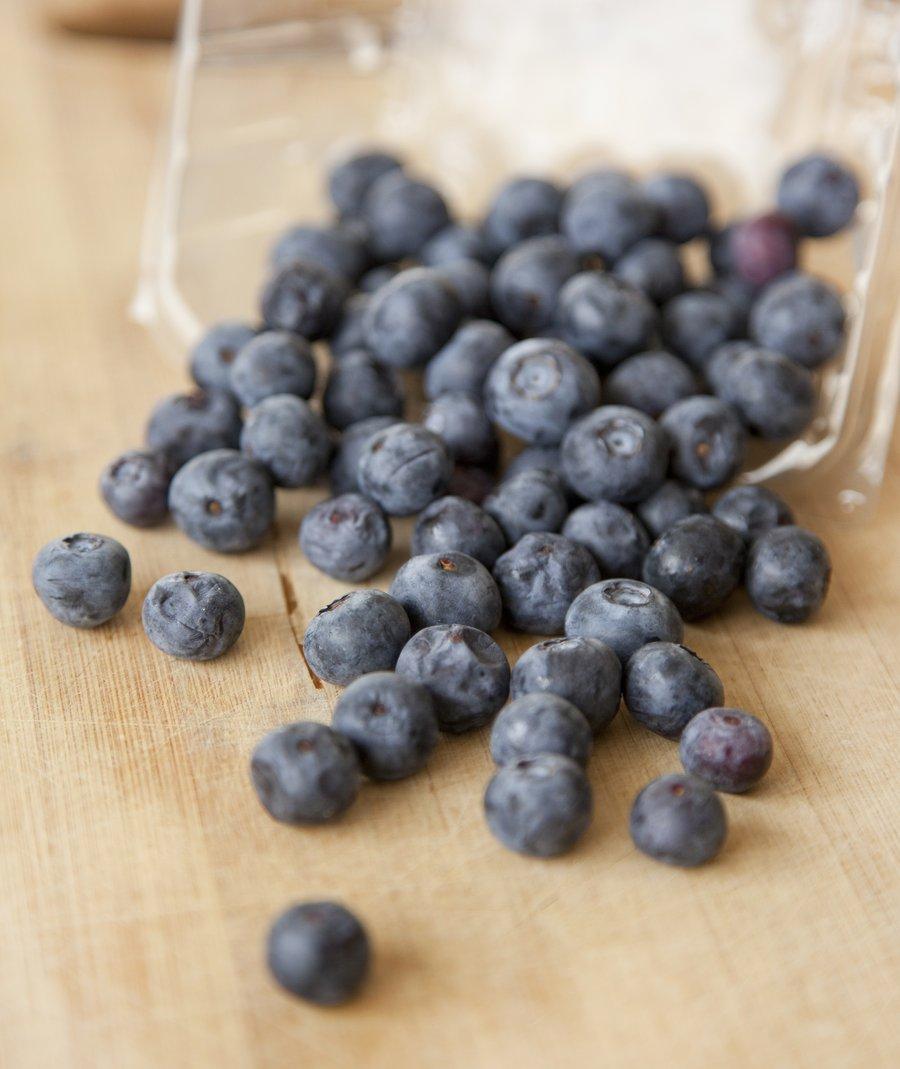 blueberry cake_1.JPG