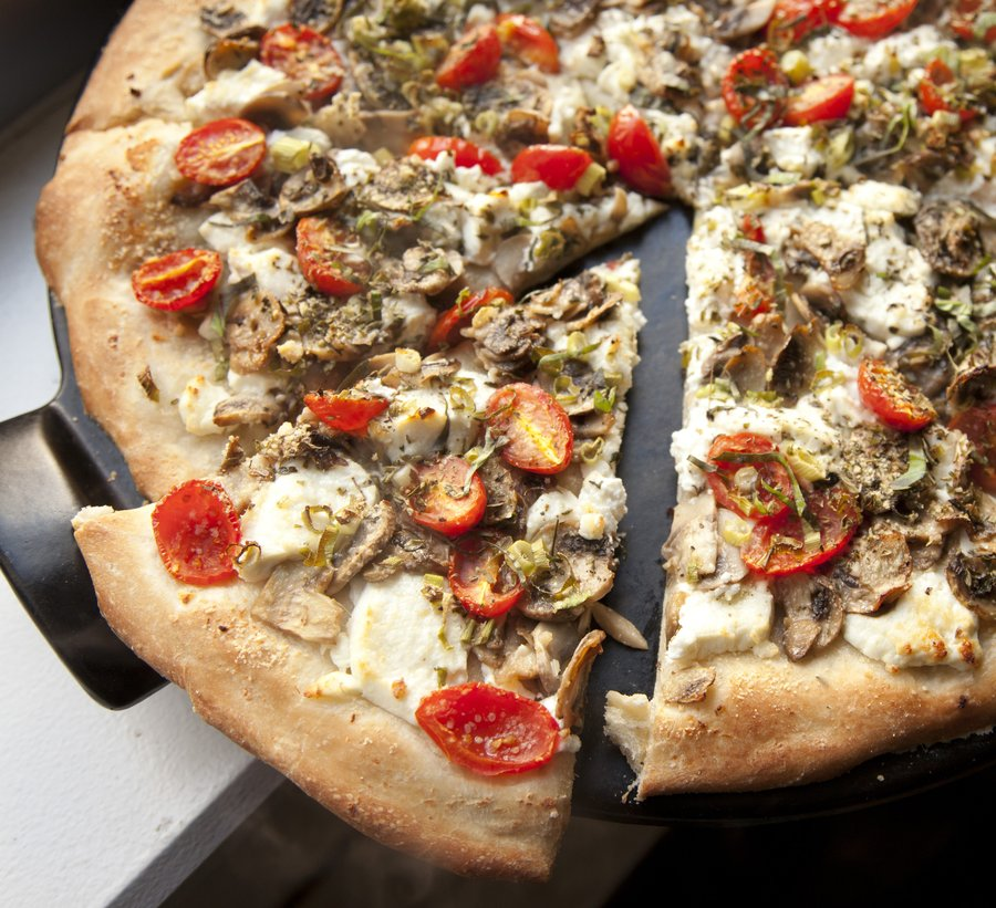 goat cheese pizza_6.JPG