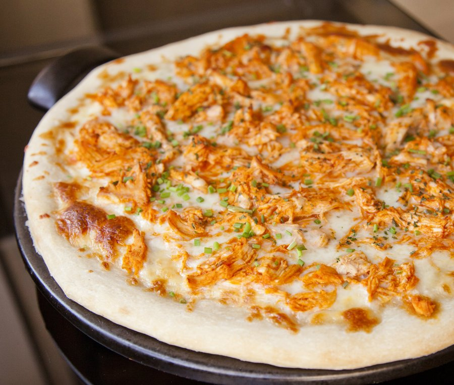 buffalo chix pizza_3.JPG