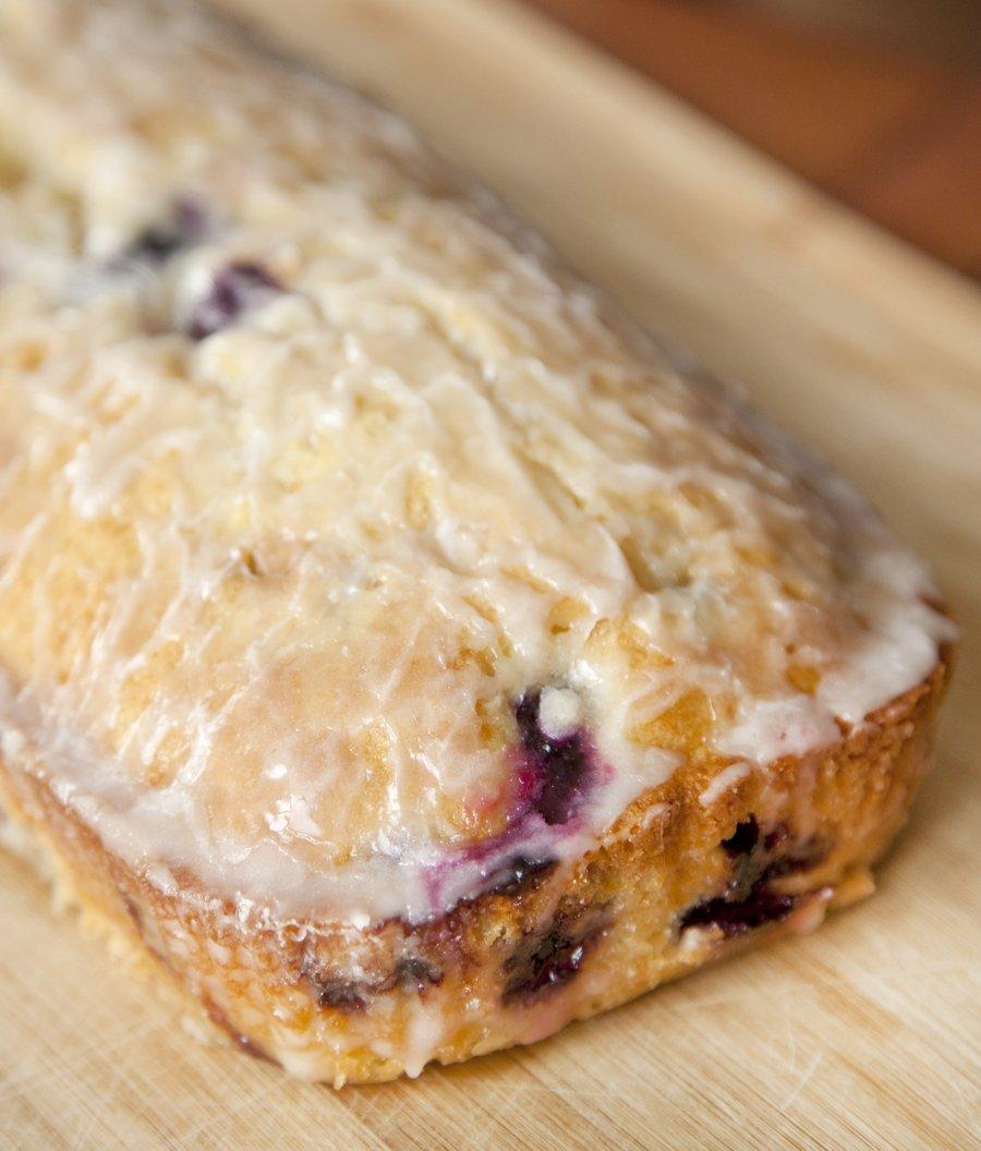 blueberry cake_4.JPG