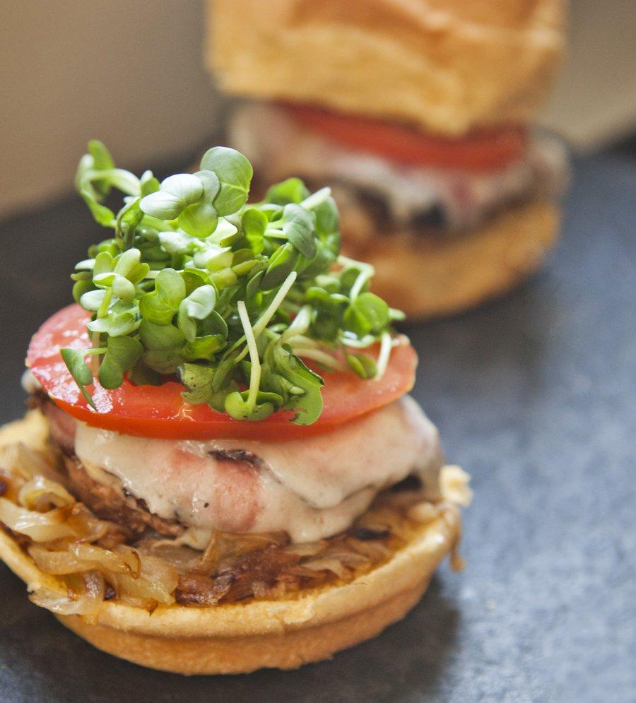 pastrami burger_4.JPG