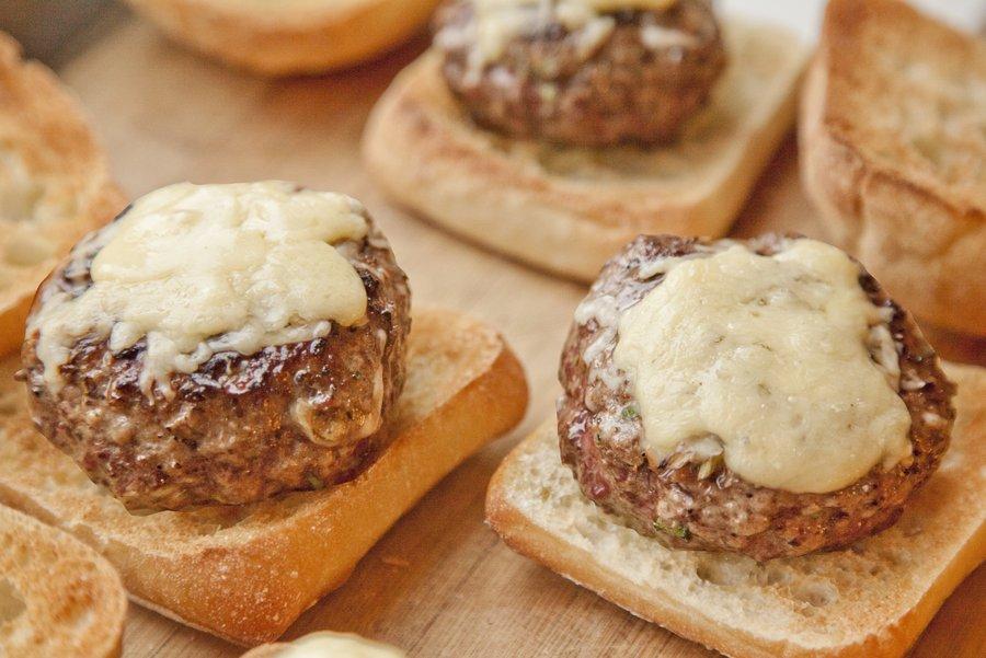 cheeseburgers_2.JPG