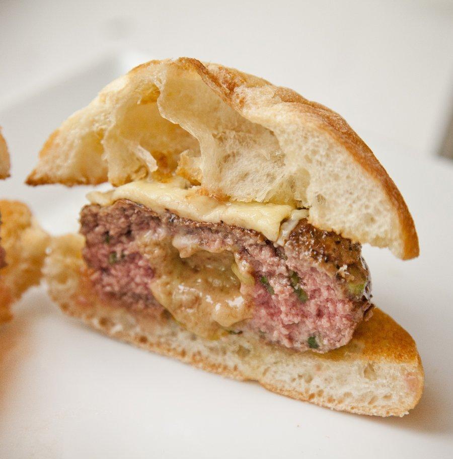 cheeseburgers_6.JPG