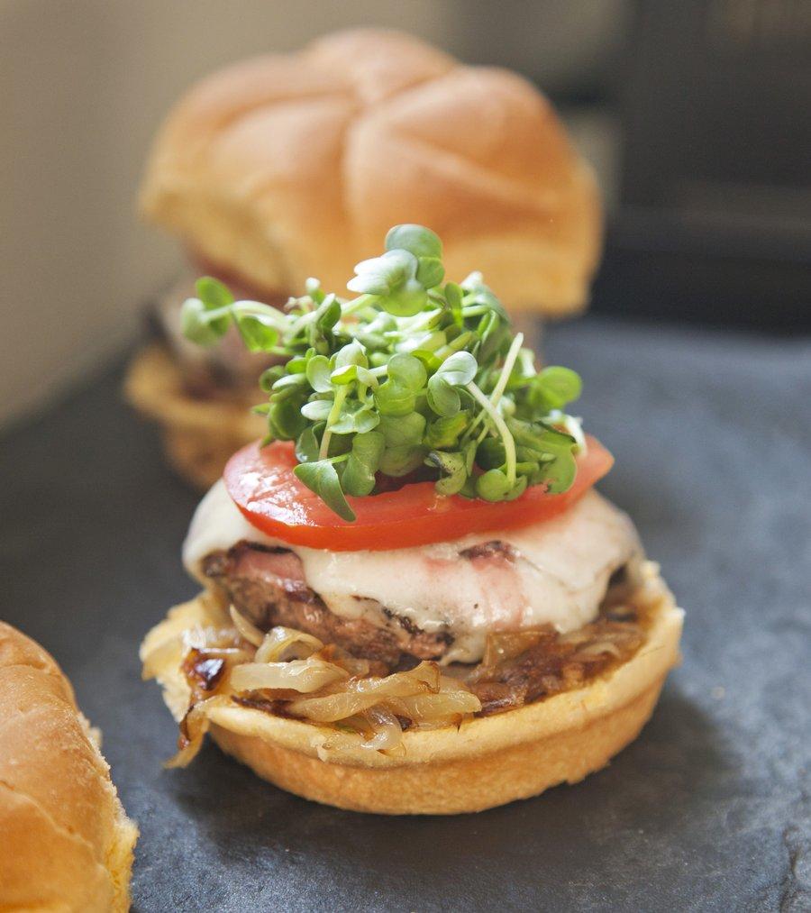 pastrami burger_2.JPG