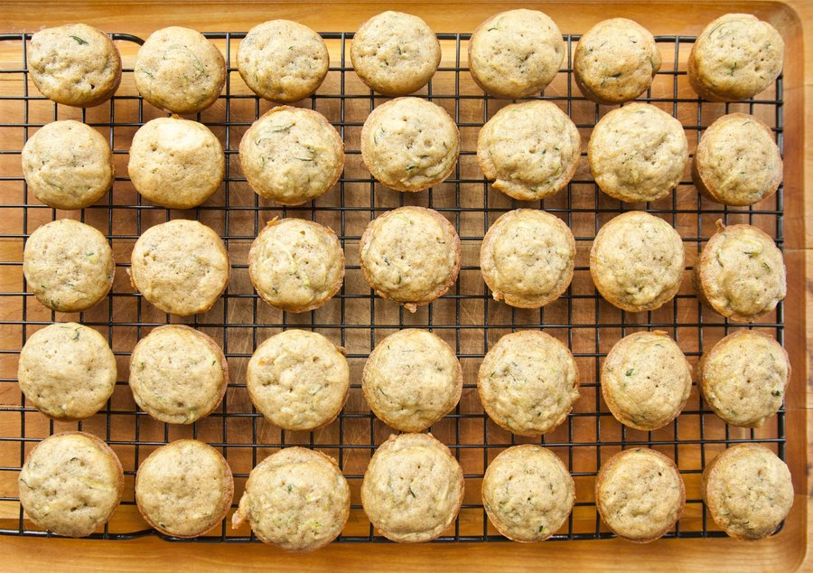 zucchini muffins_5.JPG