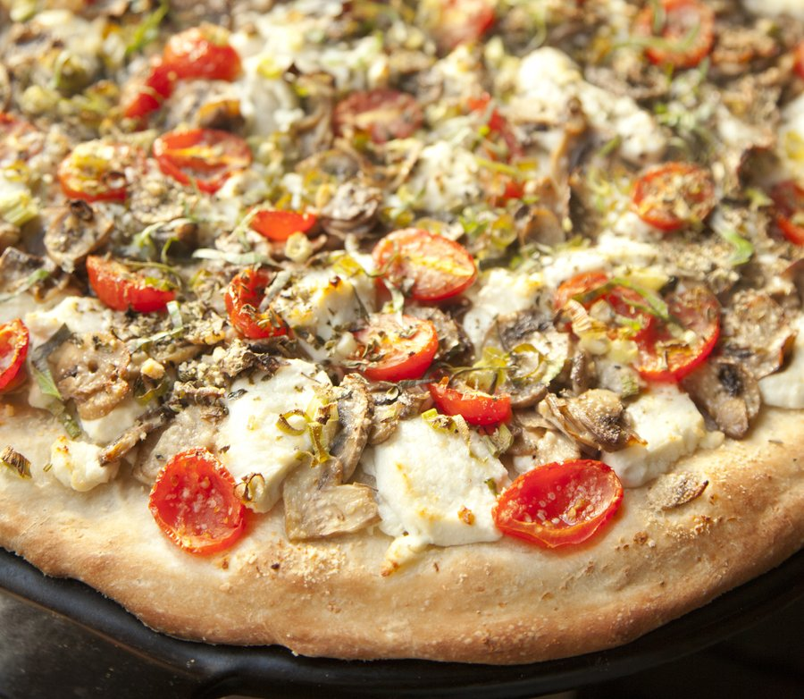 goat cheese pizza_1.JPG