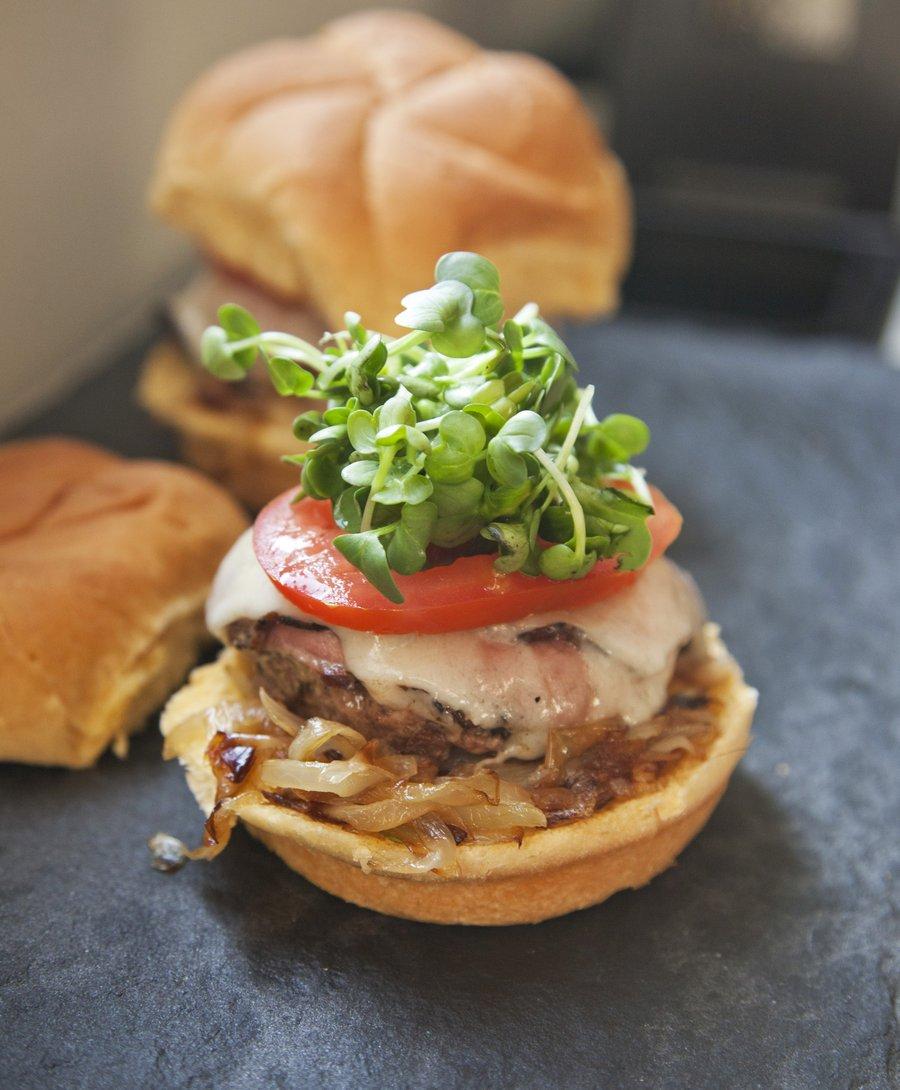 pastrami burger.JPG