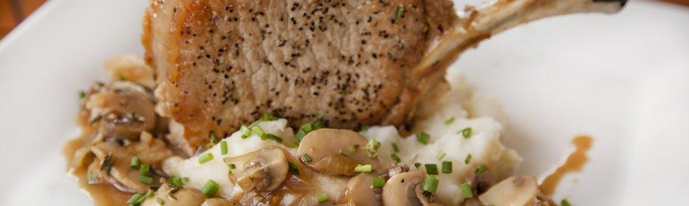 Seared Pork Chops in a Mushrooms Sauce
